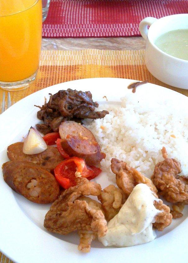 Kung may Big Breakfast ang Mcdo, May something breakfast din sa Te Quiero. Nakalimutan ko lang ang tawag. PEro masarap naman ito at buffet.